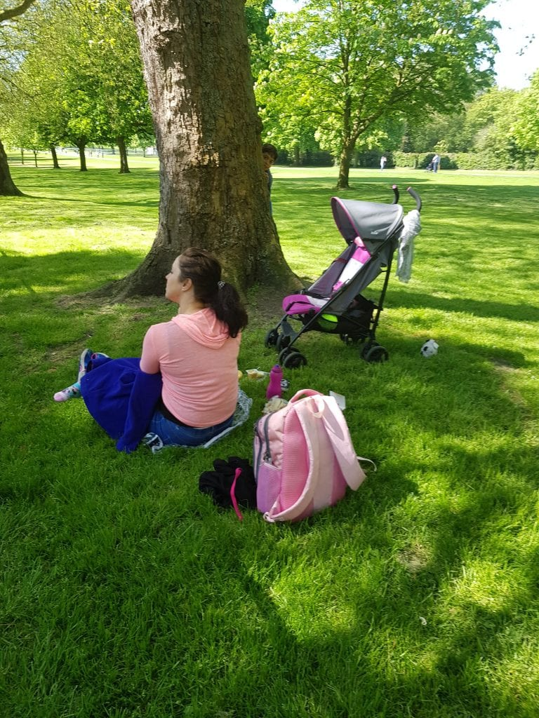 Nursing and picnic at The Long Walk in Windsor